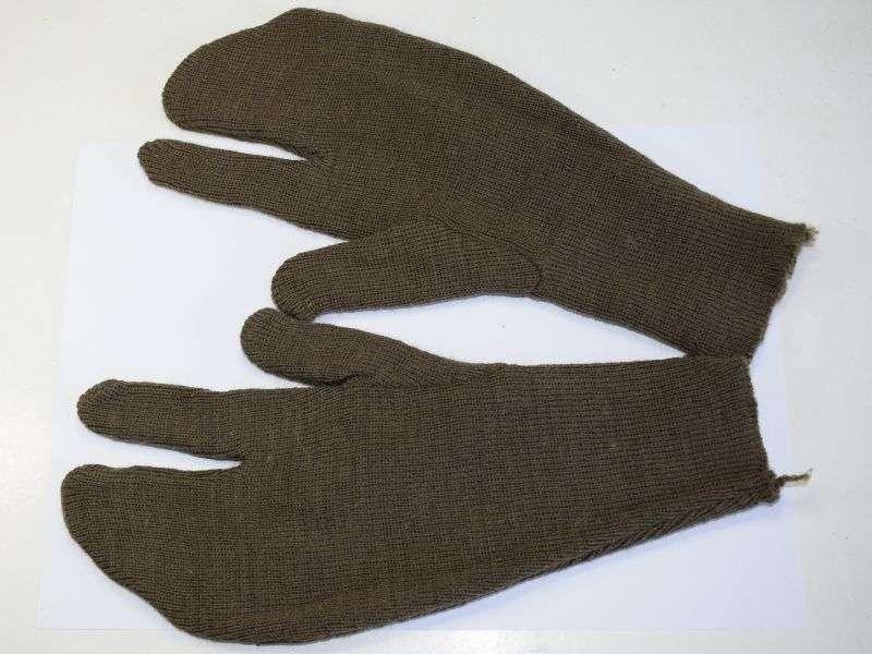 83) Original Early WW2 British Army Issue Commando Woolen Gloves 1941