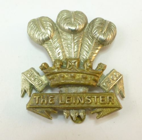 Original WW1 WW2 The Leinster Regt Cap Badge