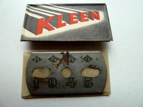 WW2 British Army Razor Blade Compass Dated 1945
