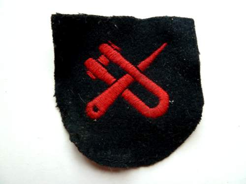 WW2 Era Royal Navy Boom Trained Badge