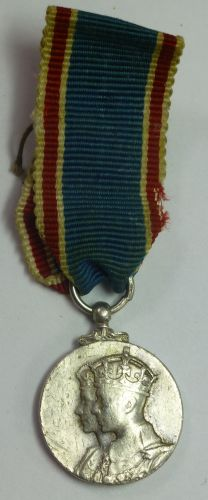 Original Old period made GRVI 1937 Coronation Medal Miniature