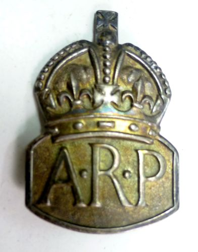 WW2 ARP Woman's Pin Back Badge in Silver