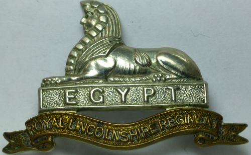 Original Post WW2 Cap Badge Royal Lincolnshire Regiment
