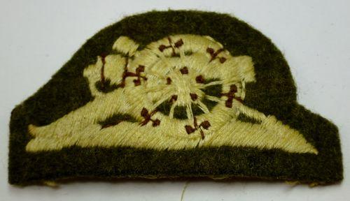 WW2 Royal Artillery Cloth Field Gun Badge