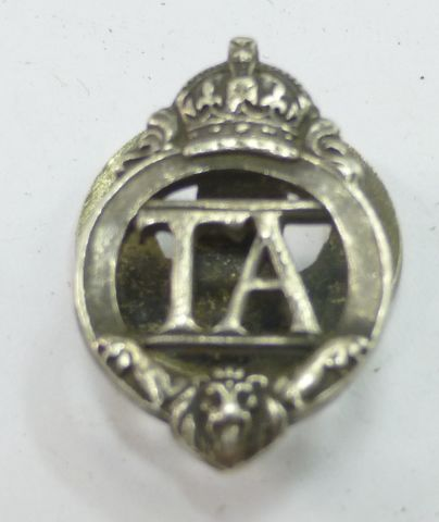 WW1 WW2 TA Lapel Badge Number 250715