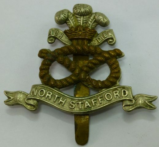 WW1 WW2 North Staffordshire Regiment Cap Badge