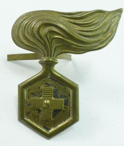 15 WW2 Italian Chemical Warfare Engineers Cap Badge