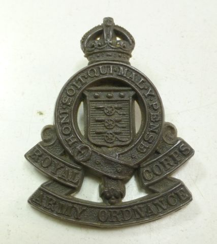 WW2 Royal Army Ordnance Corps Bakelite Cap Badge
