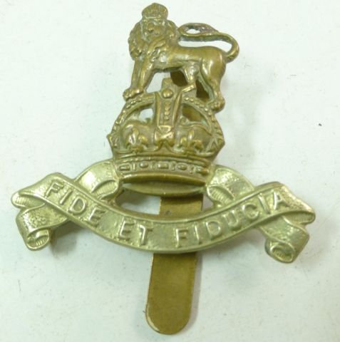 42 WW1 WW2 Royal Army Pay Corps Cap Badge
