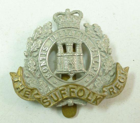 44 Post WW2 The Suffolk Regt Cap Badge