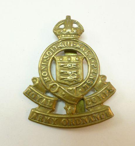 11 WW2 RAOC Brass Cap Badge