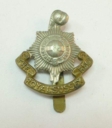 24 WW1 WW2 The Royal Sussex Regt Cap Badge