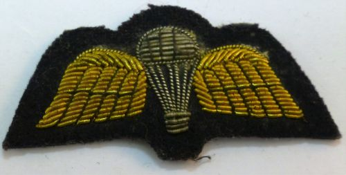 Vintage Mess Dress Parachute Qualification Badge