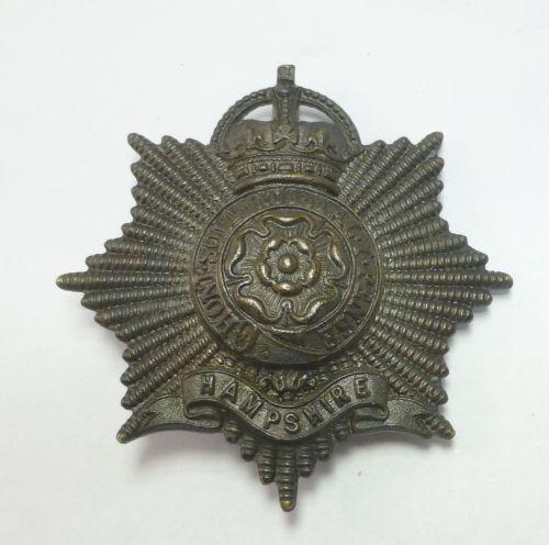 WW1 WW2 Hampshire Regt Officers Bronze Cap Badge