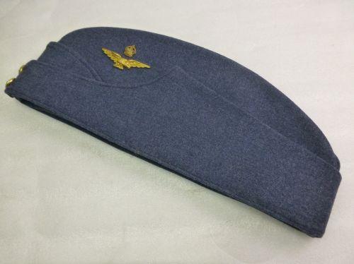Near Mint RAF Officers Field Service Cap & Badge
