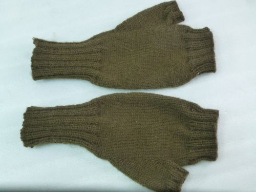 WW1 WW2 Knitted Comforts Fingerless Gloves
