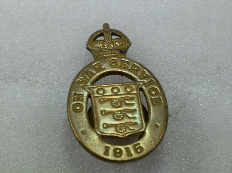 Original WW1 British On War Service 1915 Lapel Badge