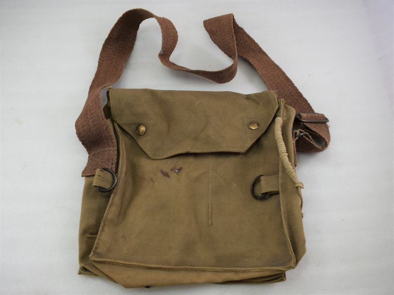 Unusual WW2 British ARP, Home Guard? Service Respirator Haversack