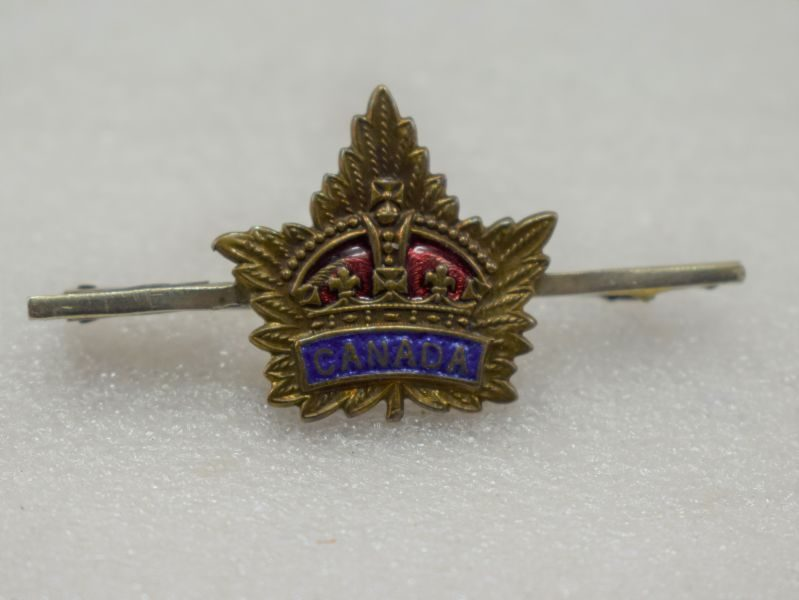 WW1 WW2 Canadian Army Sweetheart Brooch