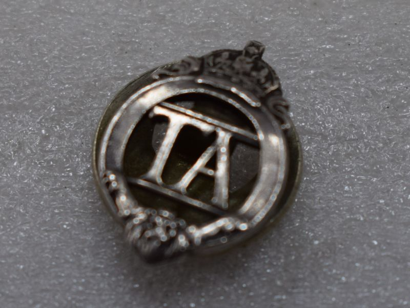 Pre WW2 Territorial Army TA Lapel Badge