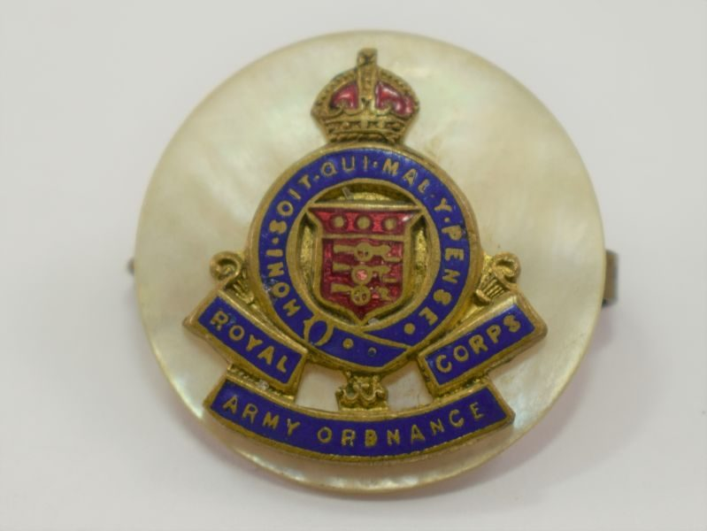 WW2 Royal Army Ordnance Corps Sweetheart Brooch on Pearl Backing Disc
