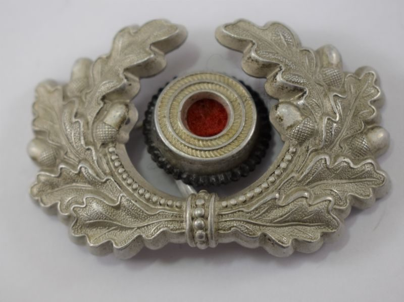 An Original WW2 German Army Officers Cap Wreath & Cockade