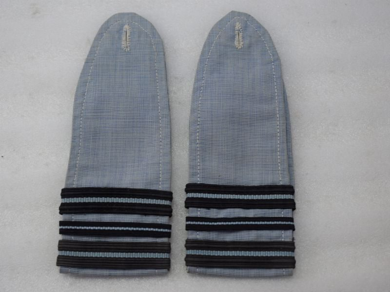 WW2 RAF Issue Shirt Epaulettes Ranked To Squadron Leader