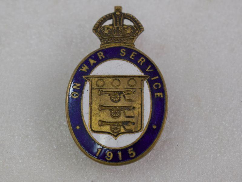 Lovely Original WW1 Early On War Service 1915 Enamelled Lapel Badge