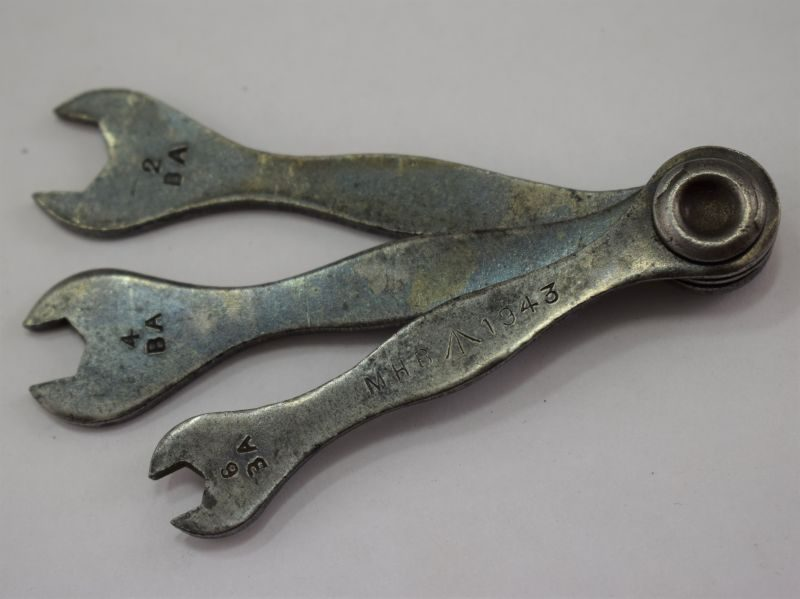 17 Small WW2 British Military Combination Spanner Set 3 spanners MHB 1943.