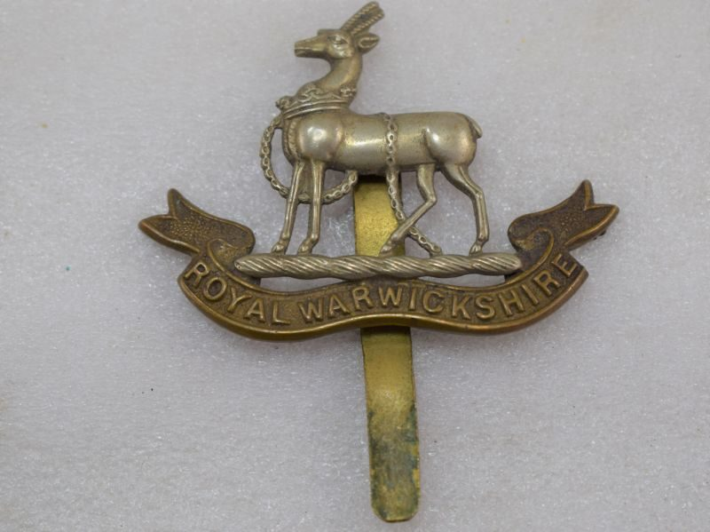 Nice Original WW1 WW2 Cap Badge The Royal Warwickshire Regiment