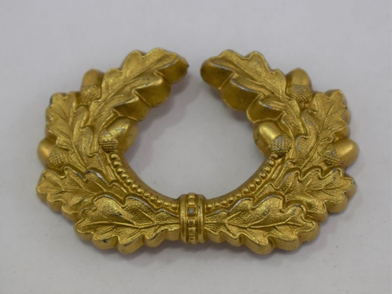 Original WW2 German Visor Cap Wreath In Gold, Kriegsmarine?