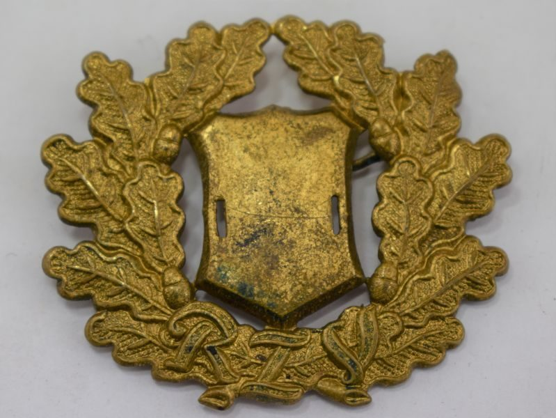 Unidentified WW2 German RIV Marked Cap Wreath in Gold Colour