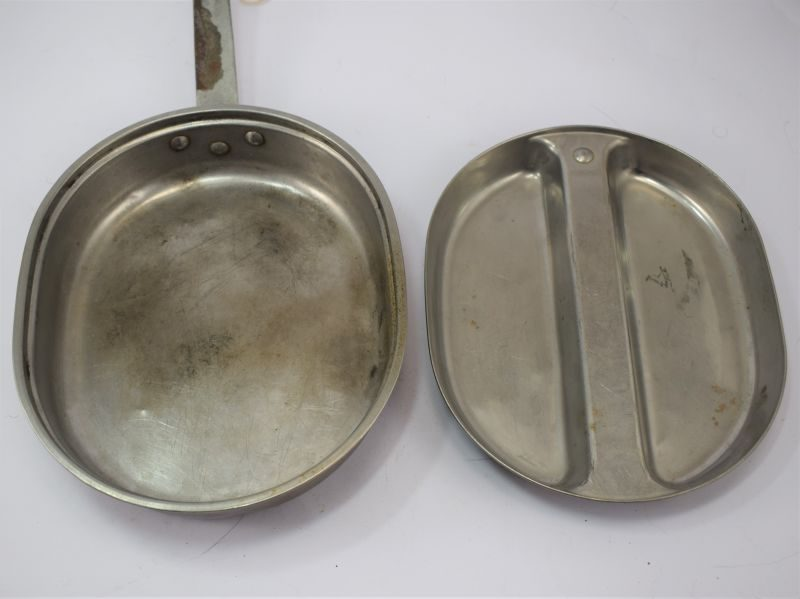 WW2 US Army Issue Meat Can Set, Mess Tins Dated 1945