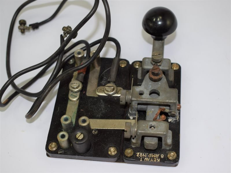 1 WW2 British Army Morse Key W.T. 8 Amp No2 with side attachment and wiring