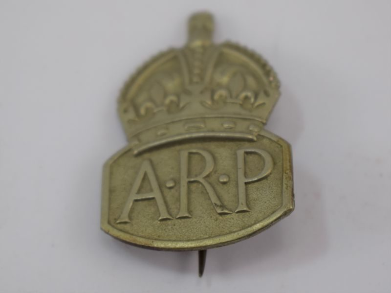 WW2 Woman's Issue Pin Back ARP Badge in White Metal