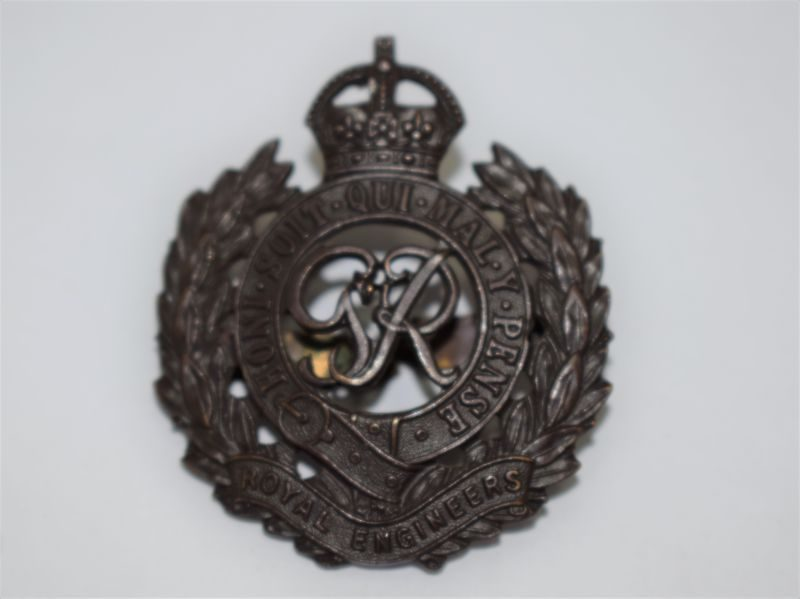 Original WW2 British Army Royal Engineers Officers Bronze Cap Badge