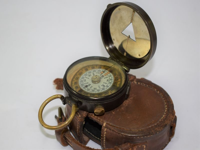 Nice WW1 British Army Officers Marching Compass & Leather Case Both Dated 1918