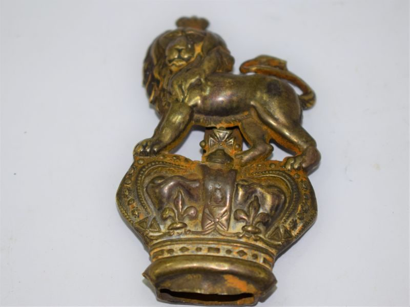 Lovely Large Victorian Pouch Badge Lion on Crown The Queens Regiment