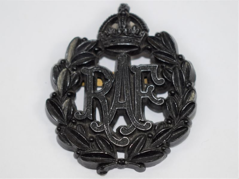 Original WW2 RAF Plastic Economy Cap Badge