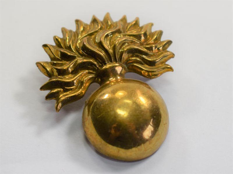 16 Original WW1 WW2 Grenadier Guards Brass Cap Badge
