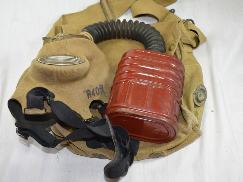 Excellent WW2 British Army Issue Service Respirator & Haversack