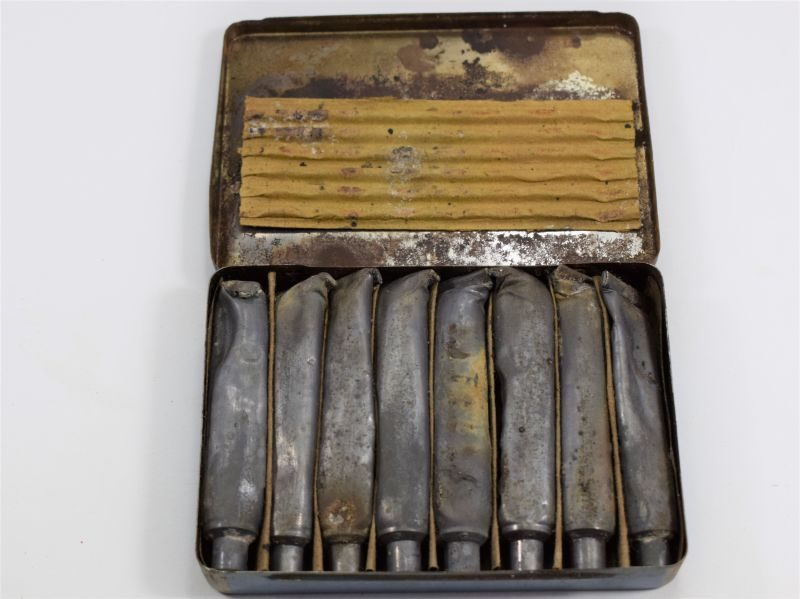 5 WW2 British Ointment Anti-Gas No5 Tin and Contents