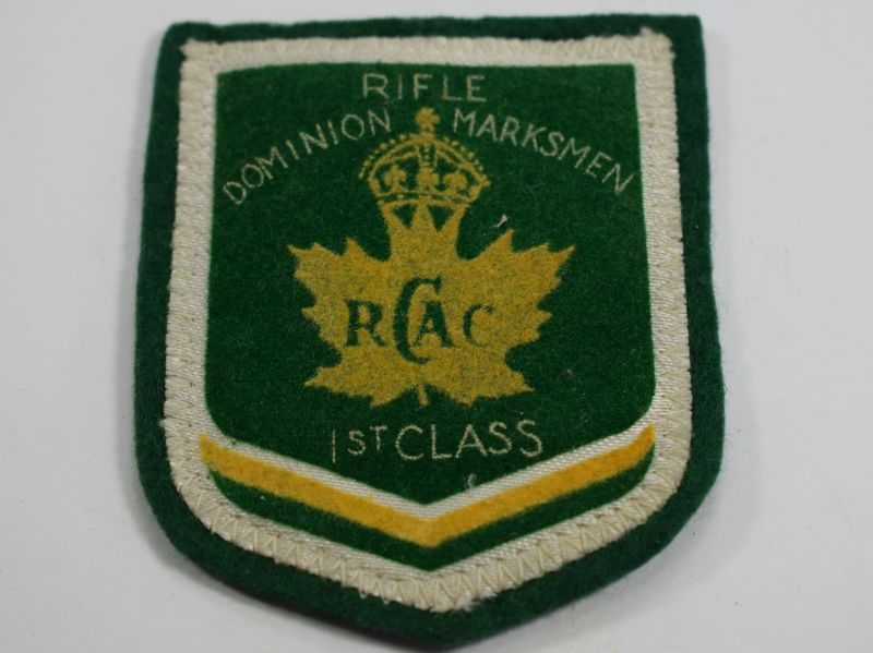 WW2 era Royal Canadian Army Cadets 1st Class Marksman Cloth Badge