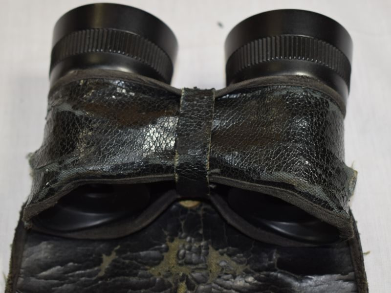 WW2 British Army Commando, Special Forces Bakelite Binoculars & Case