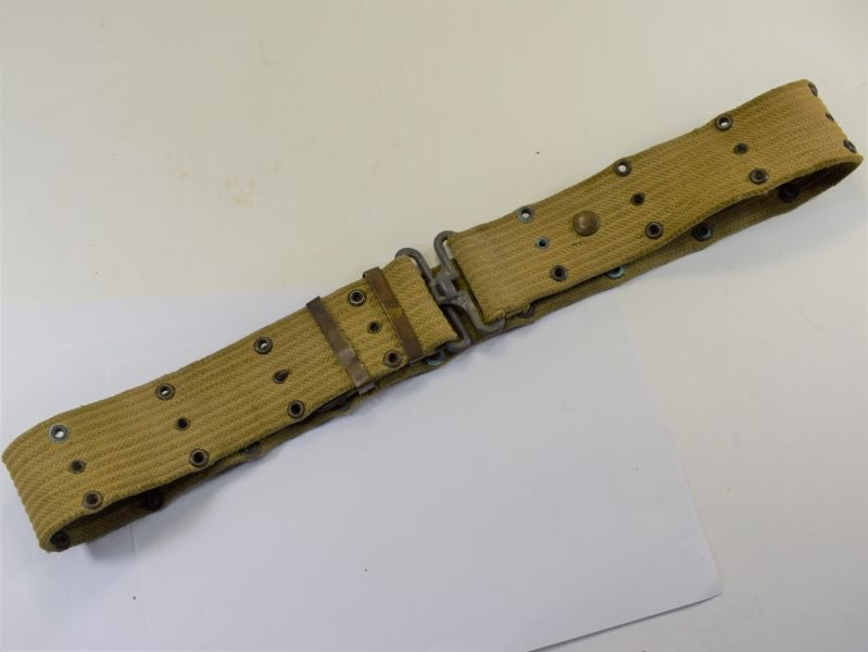 Early WW2 US Army Issue Pistol Belt in Tan Webbing