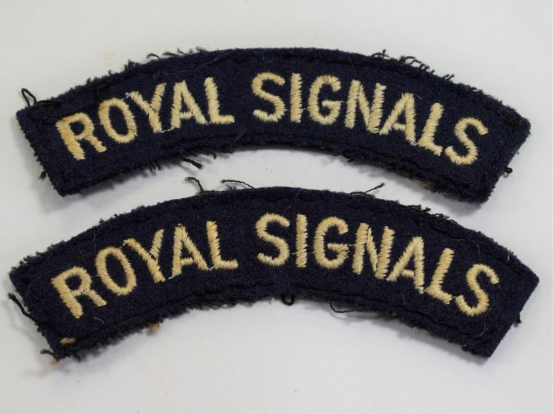 1 Original WW2 Royal Signals Cloth Shoulder Title Pair