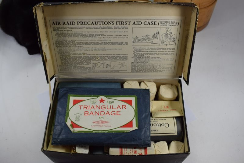 WW2 ARP Householders First Aid Box Complete with All Original Contents