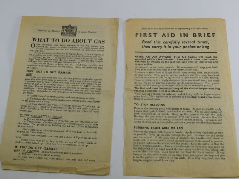 16 A Pair of WW2 British Leaflets What To Do About Gas & 1st Aid in Brief