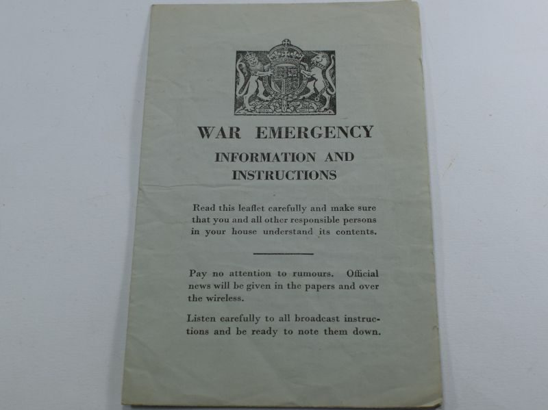 19 Original WW2 War Emergency Information & Instructions Fold Out Leaflet