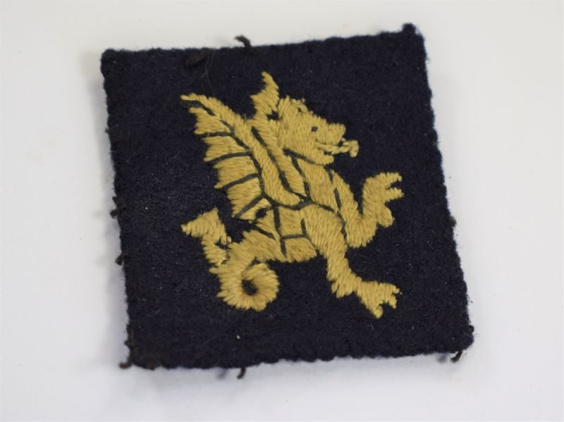 Original WW2 43rd Wessex Regiment Cloth Badge Right Facing Dragon